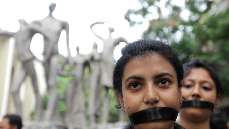 U Indiji uhapšeno 28 osoba zbog sumnje u grupno silovanje tinejdžerke