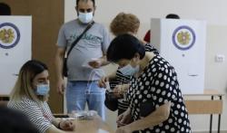U Jermeniji danas prevremeni parlamentarni izbori