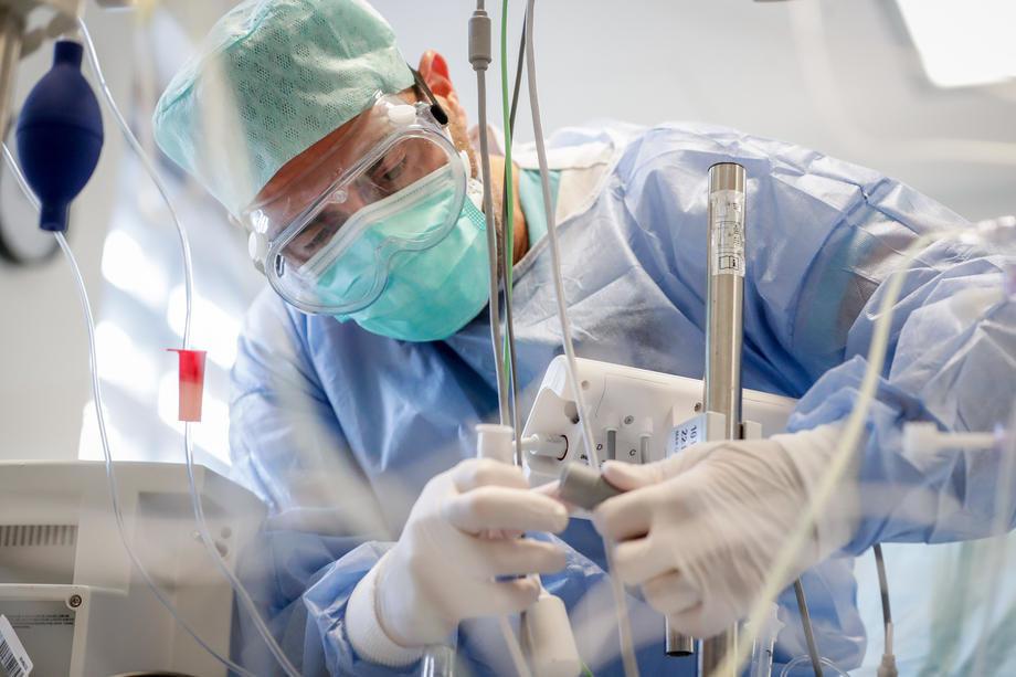 U KBC Dragiša Mišović 158 kovid pacijenata, 30 na intenzivnoj nezi