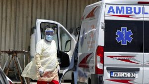 U KC Niš jedan kovid pacijent preminuo, a pet na respiratoru