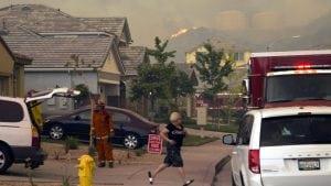 U Kaliforniji oko 60.000 ljudi evakuisano zbog šumskih požara