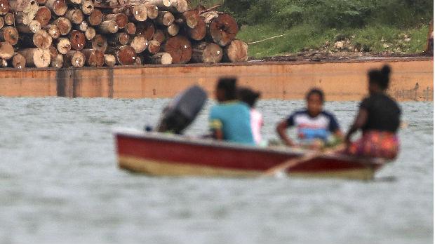 U Kongu potonuo brod, 30 mrtvih