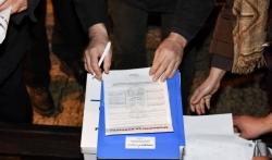 U Kragujevcu počelo potpisivanje Sporazuma s narodom