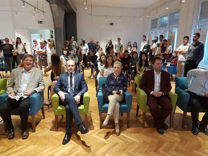 U Novom Sadu otvoren Digitalni omladinski centar
