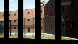 U Okružnom zatvoru u Leskovcu čuvar i osuđenik zaraženi korona virusom