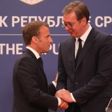 U PARIZ PUTUJEM UMORAN, POKAZAO SAM DA SE NE PLAŠIM Vučić poručio da će istrajati u diplomatskim borbama