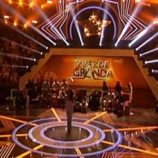 U PROBLEMIMA SAM... Poznata pevačica Granda pozajmljuje novac od saradnika! KRIZA?
