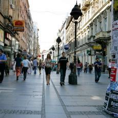 U PRVA DVA MESECA BROJ TURISTA VEĆI ZA PETINU: Više od 450.000 ljudi posetilo Srbiju