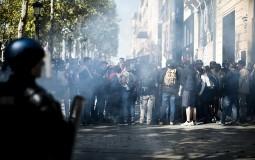U Parizu više od 100 privedenih na protestu Žutih prsluka