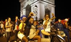 U Francuskoj za vikend 110.000 pripadnika snaga bezbednosti