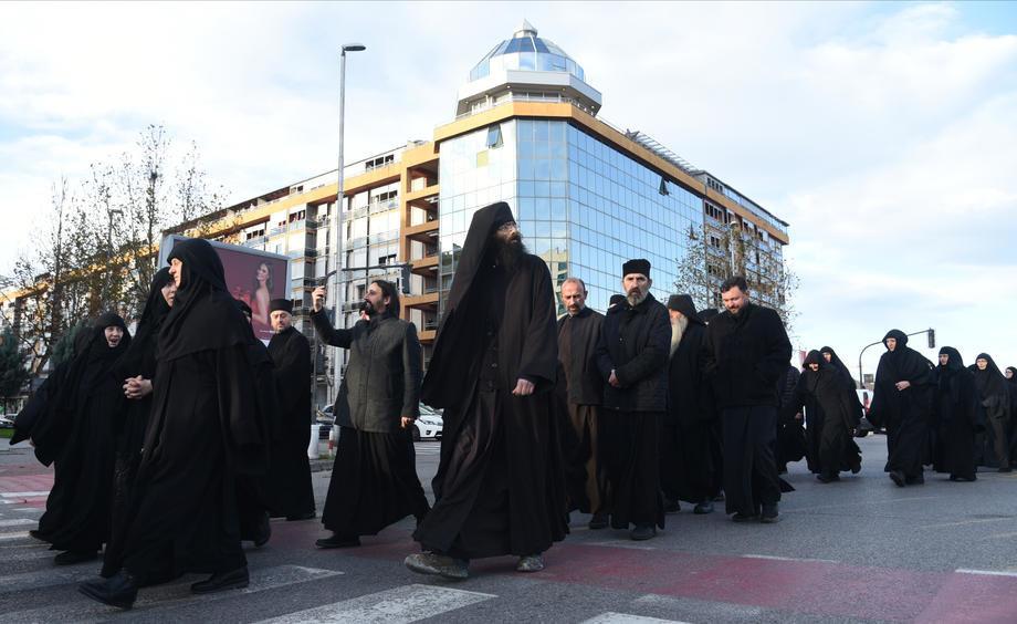 Održan Svetosimeonski sabor, na ulicama Podgorice više od 100.000 vernika
