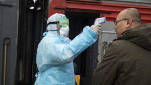U Rusiji po zvaničnim podacima umrlo 100 lekara, njihove kolege sumnjaju da ih je više