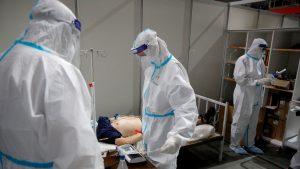 U SAD 2.700 umrlih od korona virusa u 24 časa, najviše od aprila