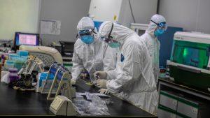 U SAD u poslednja 24 sata od korona virusa umrlo više od 1.200 osoba