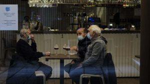 U Španiji vakcinisani vojska i političari, ali ne i prioritetne grupe