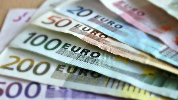 U Srbiji 351 štedna knjižica sa prosečno milion evra