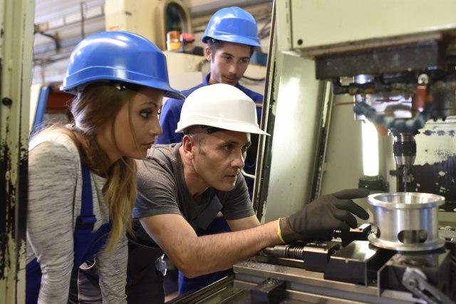 U Srbiji 4.000 učenika završilo program dualnog obrazovanja