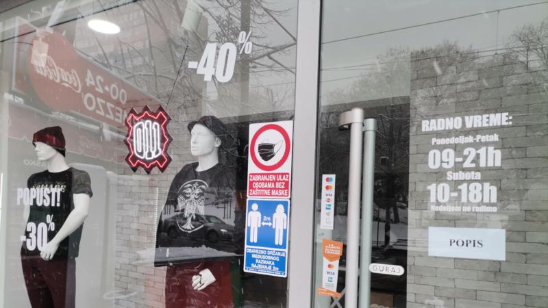 U Srbiji nesmetano rade prodavnice sa zabranjenim obeležjima