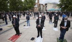 U Turskoj džamije ponovo otvorene za kolektivne molitve (VIDEO)