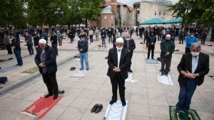 U Turskoj džamije ponovo otvorene za kolektivne molitve