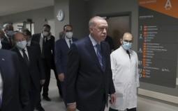 U Turskoj opada broj obolelih, Erdogan i premijer Japana simbolično otvorili novu bolnicu