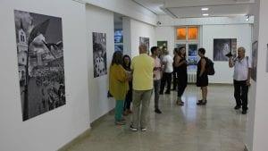 """U Zrenjaninu otvorena izložba """"Grad fotografima, fotografi gradu"""""""