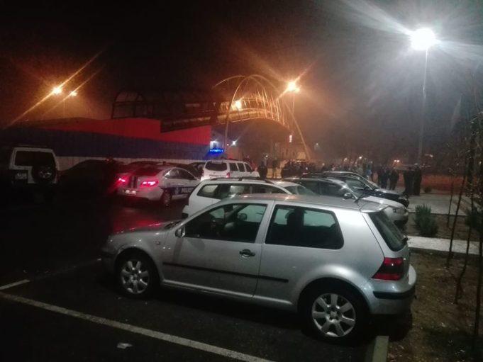 """U akciji """"saniranja javnih površina"""" crnogorske policije uhapšeno i povređeno više osoba"""