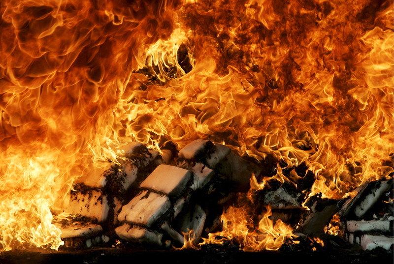 U centru Inđije noćas izgorela bivša krznara - povređenih nema