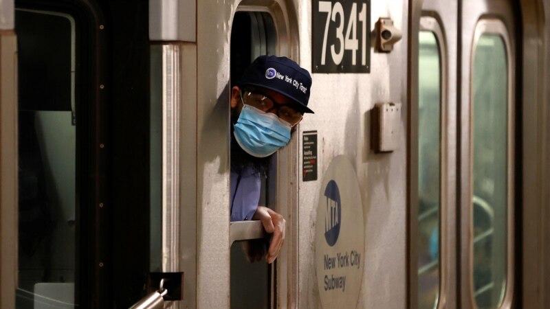U delovima SAD preporučeno nošenje maski i za vakcinisane