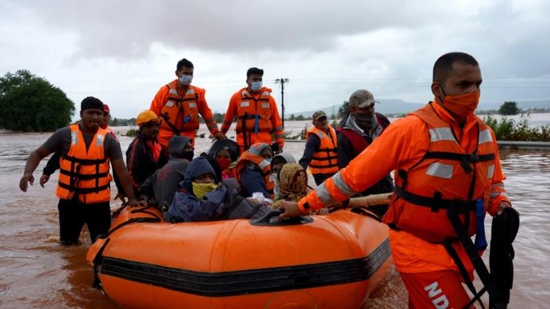 Uklizištima i poplavama u Indiji najmanje 130 stradalih