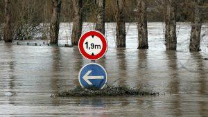 U nevremenu u Francuskoj jedna osoba poginula, 600 evakuisano