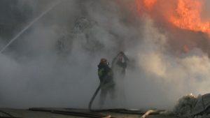 U požaru u ruskoj fabrici hemijske industrije poginuo radnik, šest teško povređeno