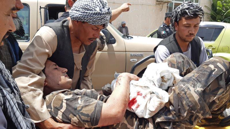 U samoubilačkom napadu u Afganistanu ubijeno 10 osoba