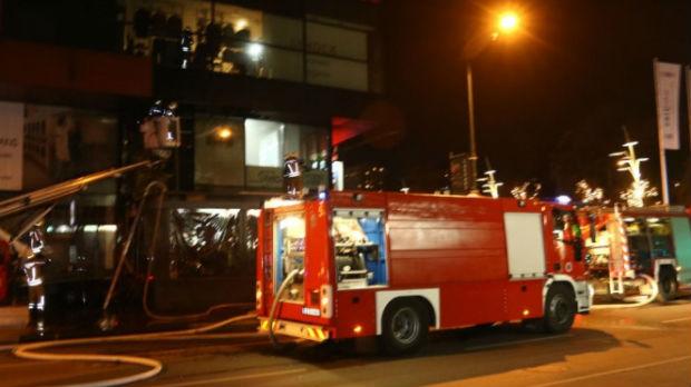 Ugašen požar u tržnom centru u Sarajevu