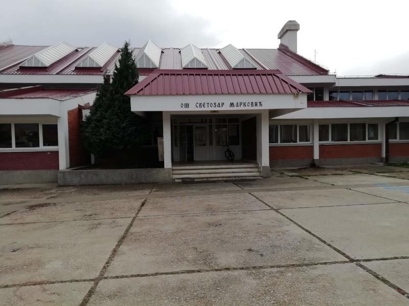 U školi kod Vranja za godinu dana promenjena 3 učitelja, roditelji nezadovoljni