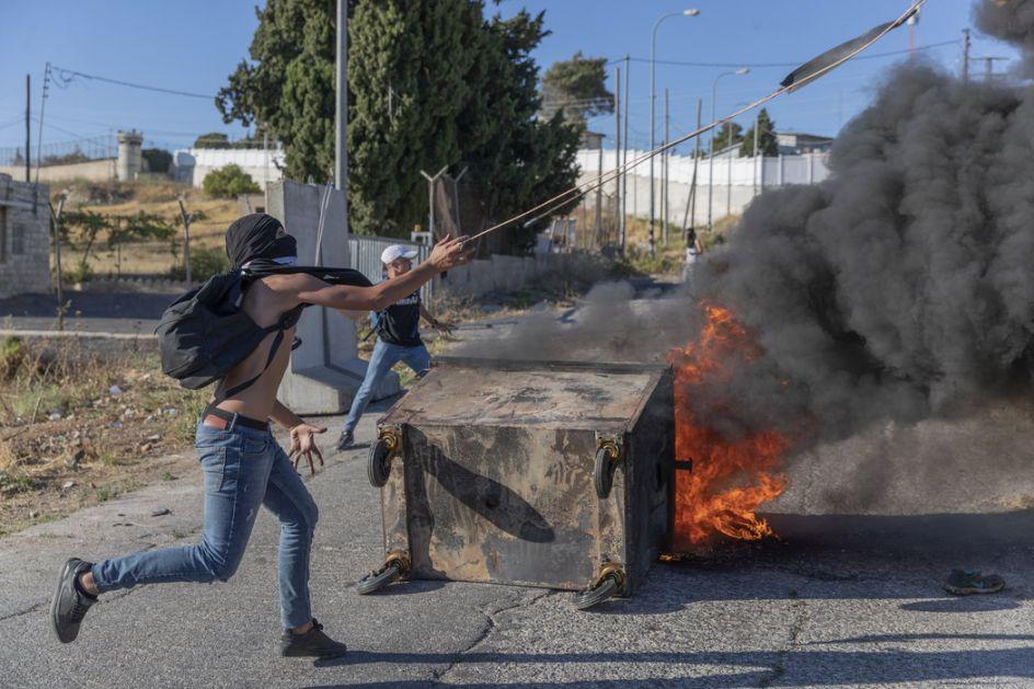 U sukobima Palestinaca i policije uhapšeno 17 osoba