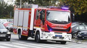 U toku gašenje požara u Belmaks centru u Zemunu