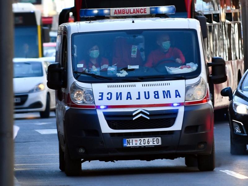 U tri saobraćajke u Nišu, dve pred policijski čas, povređeno četvoro ljudi