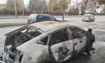 U vozilo mu je ušla grupa momaka, a onda je usledio haos: Zapaljeno taksi vozilo u Nišu, povređen taksista (FOTO)