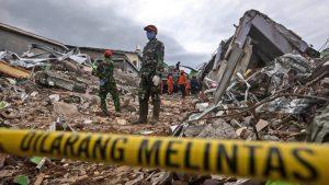 U zemljotresu u Indoneziji poginulo najmanje 78 osoba