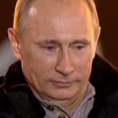UBIO SE PUTINOV ČOVEK! Pucao na sebe u Kremlju