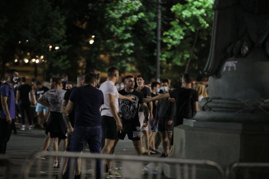 UDAR EKSTREMISTA: Pokušavaju da ruše državni sistem! Zbog interesa manjine, žele da sve građane gurnu u propast