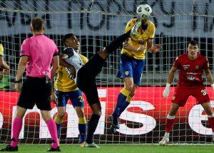 UEFA JE ODLUČILA: U revanšu, crno-belima sudi arbitar kom su navijači pre dve godine pretili da će ga ubiti!