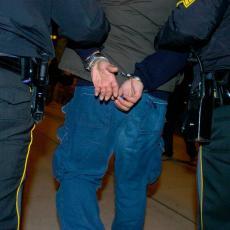 UHAPŠENI OSUMNJIČENI ZA TEŠKO PREBIJANJE U NOVOM SADU: Tukli mladića palicama, rukama i nogama