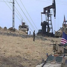 UHVAĆENI NA DELU! Ameri opasno petljaju po Siriji, postavljaju OPASNO ORUŽJE, naoružavaju se do zuba (FOTO)