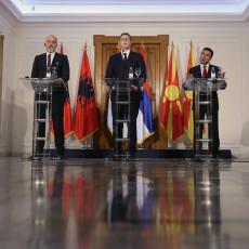 BALKAN BEZ GRANICA! UKIDAJU SE RADNE DOZVOLE U MINI ŠENGENU: Koje će olakšice Vučić sutra dogovoriti za građane Srbije