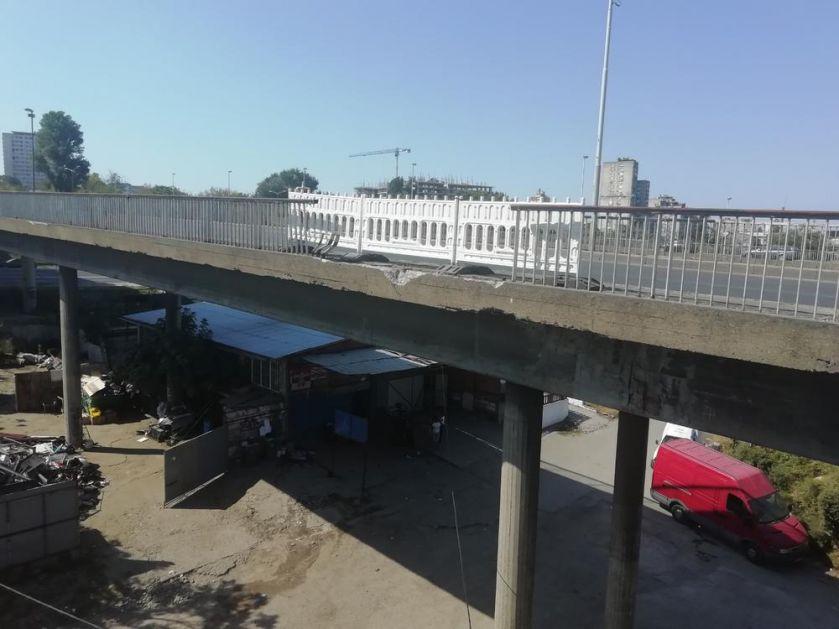 UKLETI PANČEVAC: Na mestu gde je sleteo sa mosta automobil sa dvoje mladih već su PADALI ŠLEPERI I AUTOMOBILI! (FOTO)