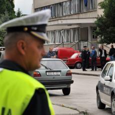 UMALO UBIO PROFESORA METALNOM ŠIPKOM: Policija istražuje pozadinu incidenta u gimnaziji