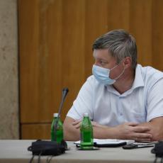 UMRO NAM JE DEČKO 94 GODIŠTE, BEZ DRUGIH BOLESTI Dr Stevanović potresen: Stanje je alarmantno