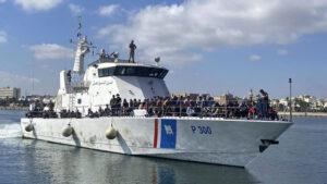 UN: Prevrnuo se čamac koji je prevozio migrante iz Afrike, pretpostavlja se da se udavilo 57 ljudi